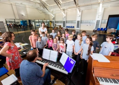 Rehearsing the Sound of Music with the whole kids cast