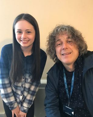 Jaime on set with Alan Davies, who plays Alistair Kavanagh